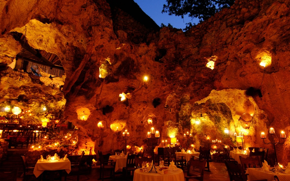 499155-ali-barbours-cave-restaurant-1000-46f65ea255-1475746435
