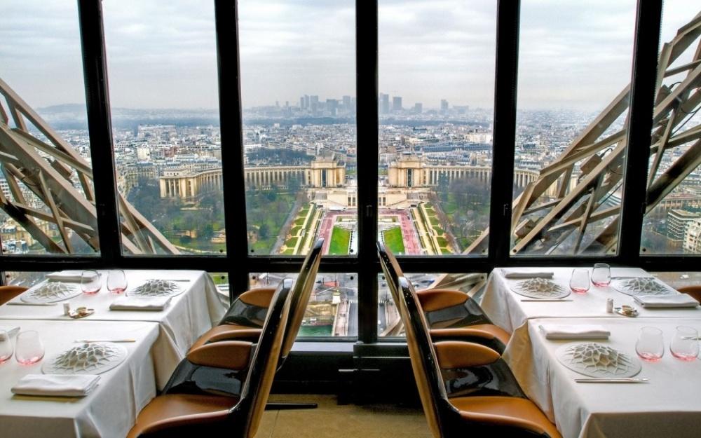 499255-201403-w-restaurant-views-le-jules-verne-1024x640-1000-b77bbaa4a4-1475746435