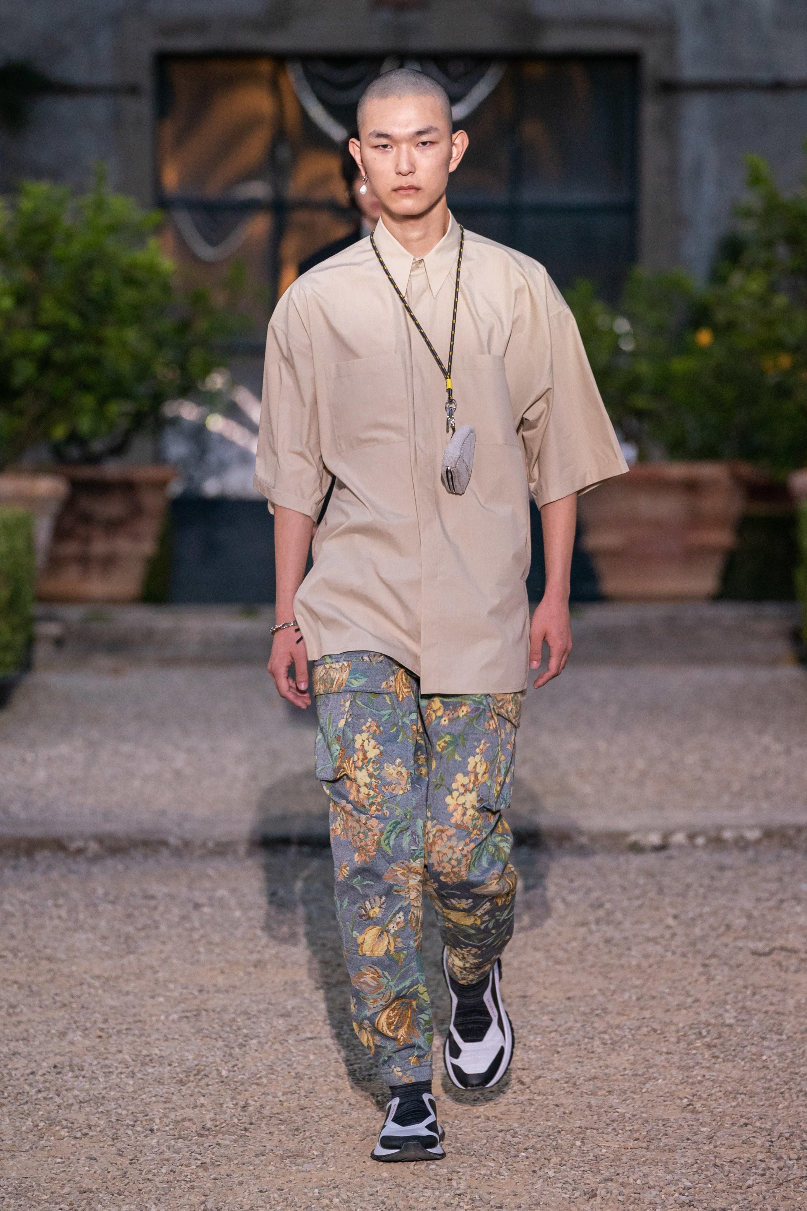 https://fpm.ro/alexander-mcqueen-spring-2020-menswear/