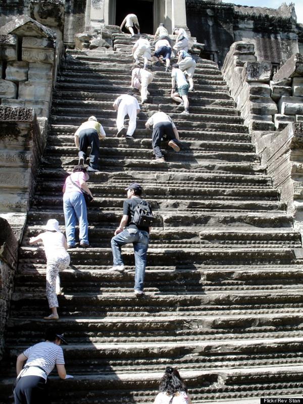 o-angkor-wat-stairs-570-1